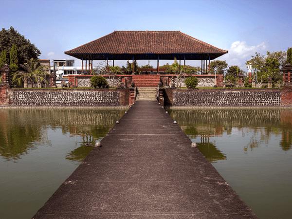 The Oberoi Beach Resort Lombok Exterior