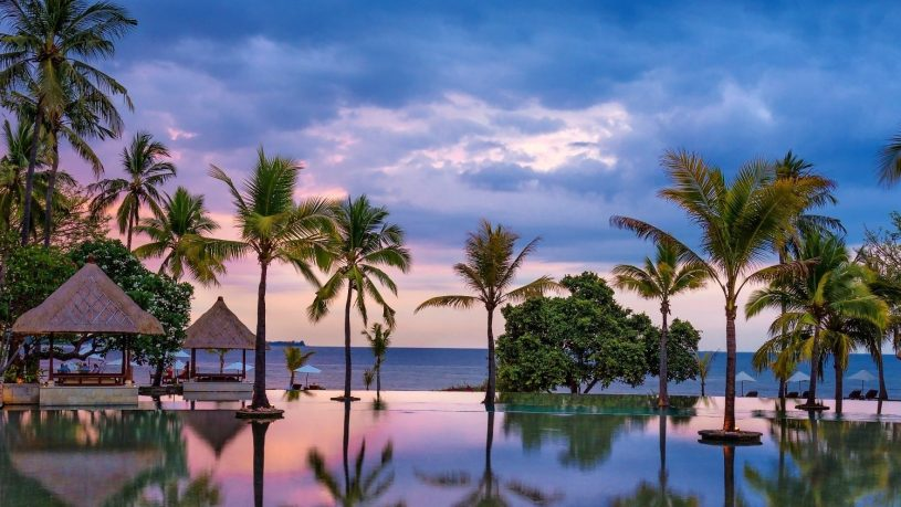 The Oberoi Beach Resort Lombok Pool Sunset
