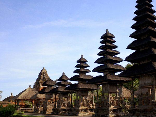 The Oberoi Beach Resort Lombok Temple