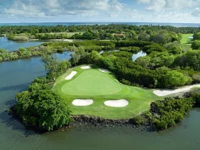 constance Aiyana golf course