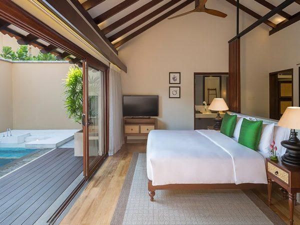 Anantara Kalutara Resort Deluxe Poolside Room