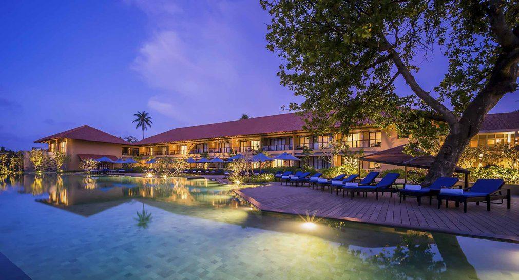 Anantara Kalutara Resort Pool
