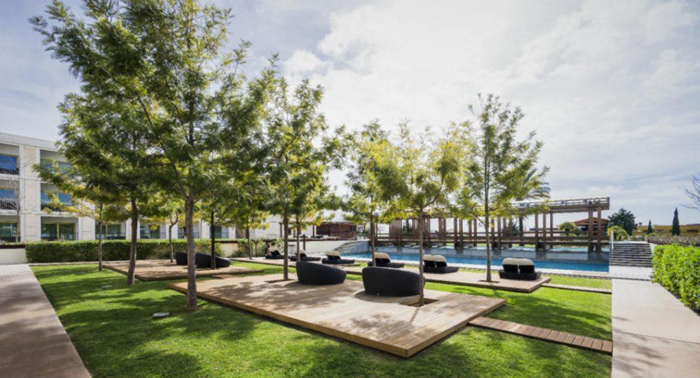 Anantara Vilamoura Algarve Resort Cascades Pool Bar