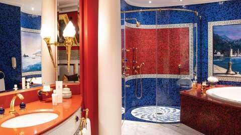 Burj Al Arab Jumeirah Deluxe Bathroom