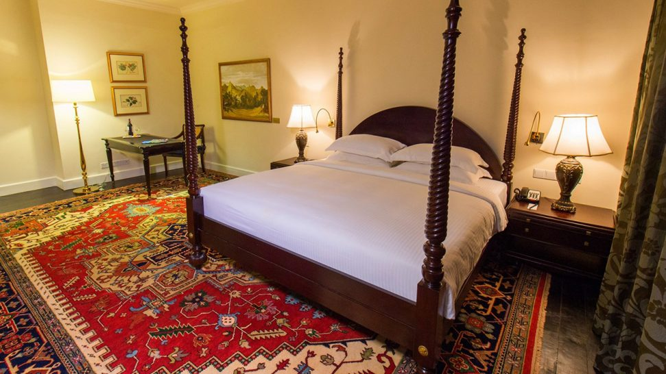 Galle Face Hotel King Emperor Suite