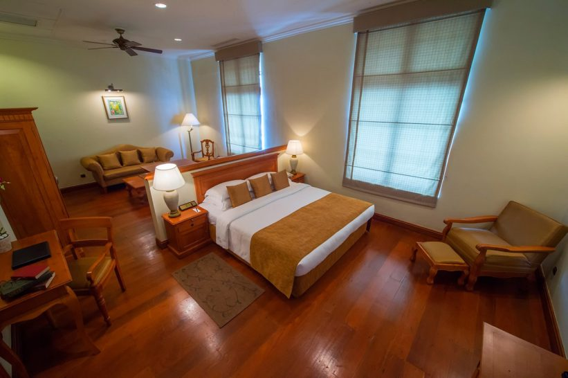 Galle Face Hotel Oceanic Junior Suite