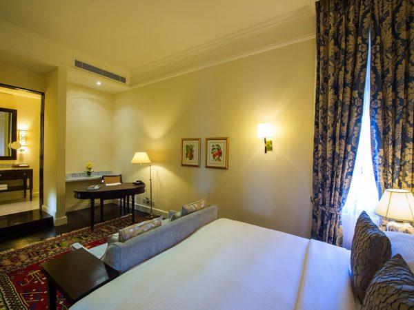 Galle Face Hotel Premier Ocean Balcony Room