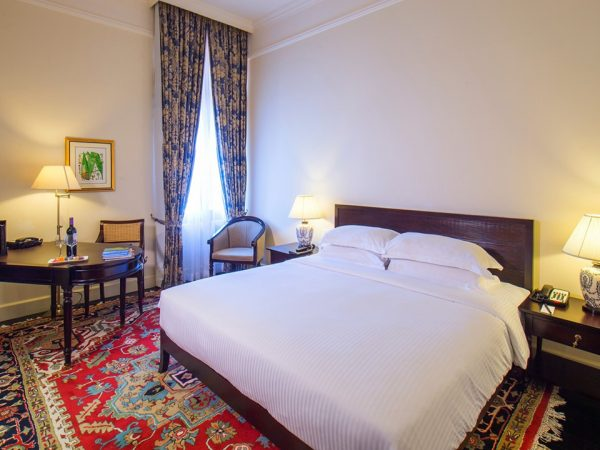 Galle Face Hotel Premier Ocean View Room