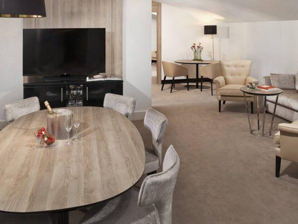 Gran Melia Palacio de los Duques One Bedroom Master Suite Red Level