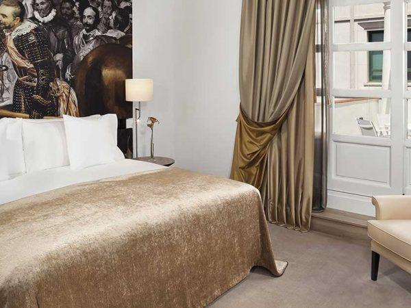 Gran Melia Palacio de los Duques Penthouse Suite Red Level