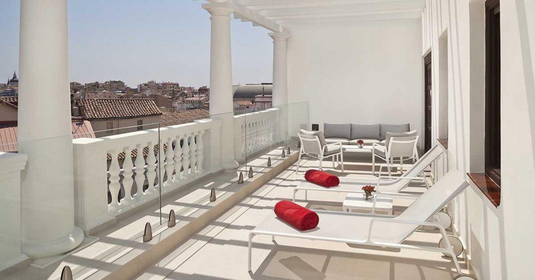 Gran Melia Palacio de los Duques Presidential Penthouse Suite Red Level