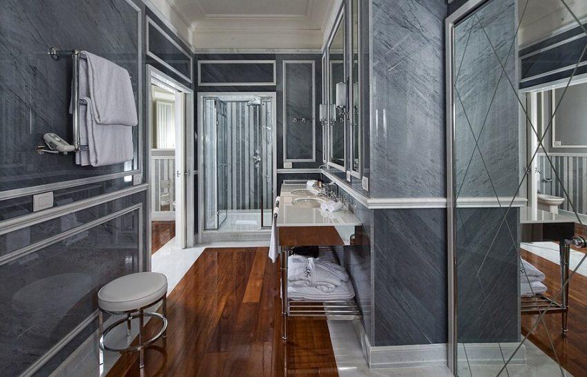 JK Place Roma Junior Suite Balcony Bathroom