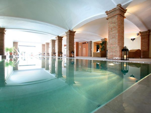 La Bobadilla, A Royal Hideaway Hotel spa pool