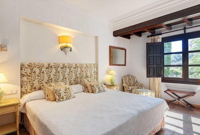 La Bobadilla, A Royal Hideaway Hotel Deluxe Superior Room