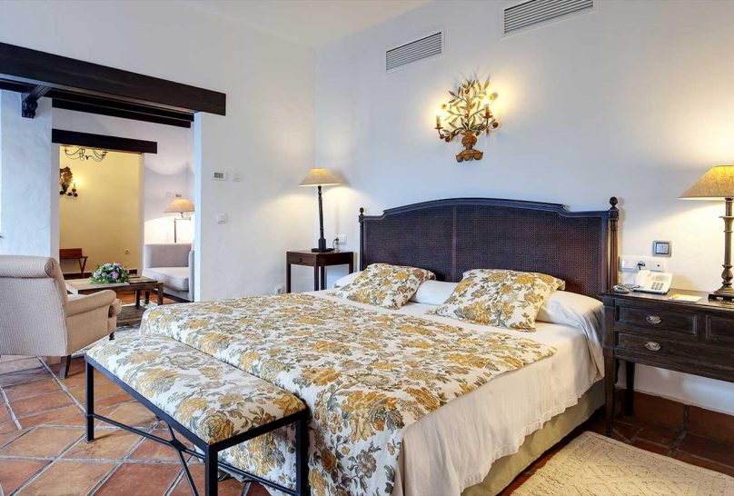 La Bobadilla, A Royal Hideaway Hotel Deluxe Superior Room with a Balcony or Terrace