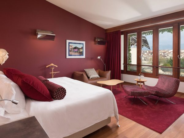 Marques de Riscal, a Luxury Collection Elciego Premium Spa Guest room, 1 King, Gehry building view, Mountain View, Spa Building