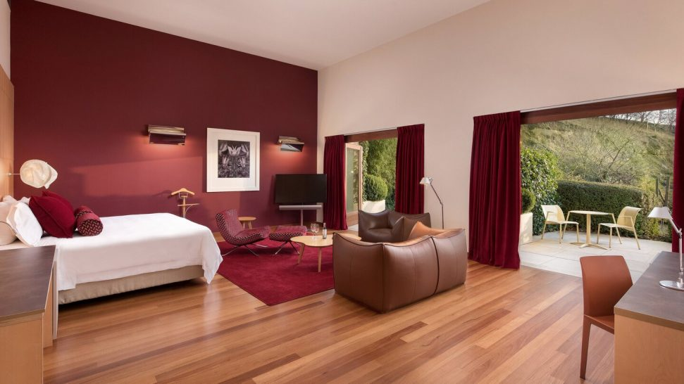 Marques de Riscal, a Luxury Collection Elciego Premium Spa Twin Guest room, 2 Twin Single Bed Gehry building view, Mountain View