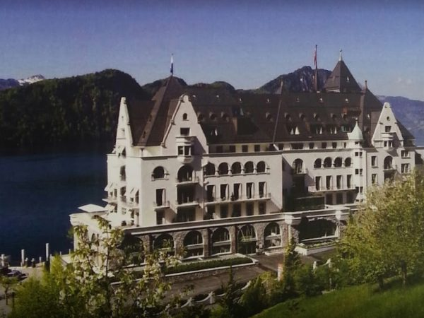 Park Hotel Vitznau Front