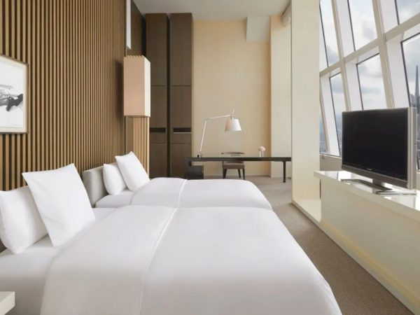 Park Hyatt Shanghai 2 Twin Beds with Bund View Deluxe