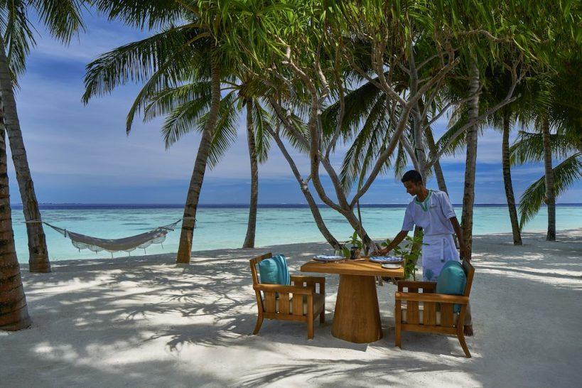 Raffles Maldives Meradhoo Beach