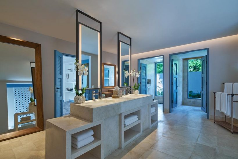 Raffles Maldives Meradhoo Beach Villa Bathroom