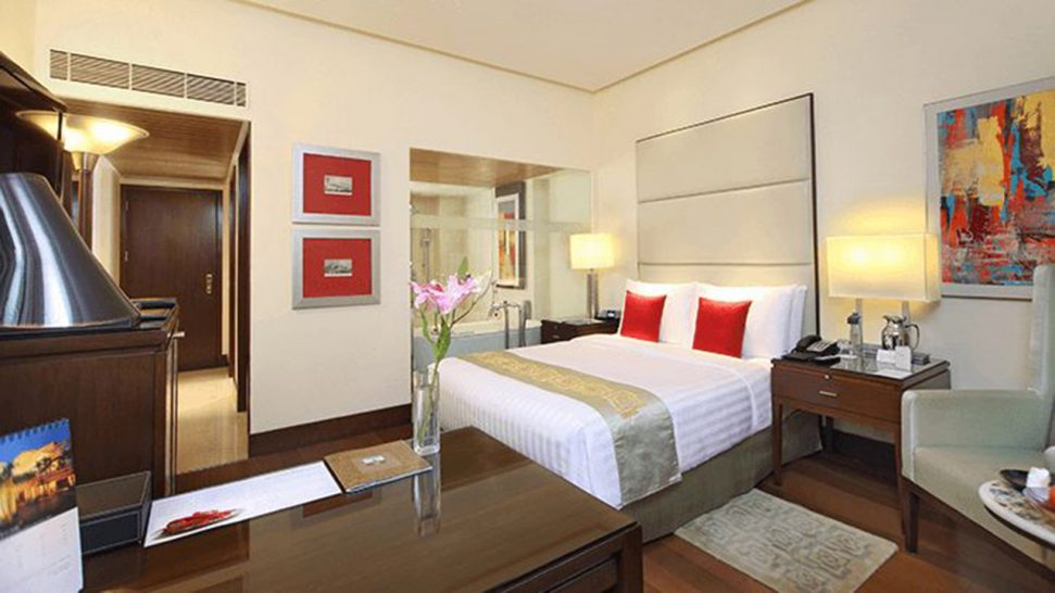 The Oberoi Mumbai Deluxe Rooms