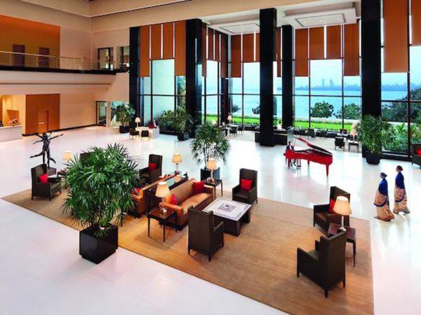 The Oberoi Mumbai Lobby