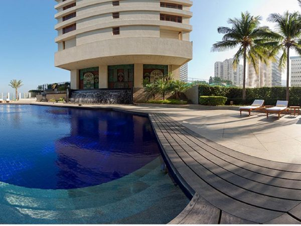 The Oberoi Mumbai Pool