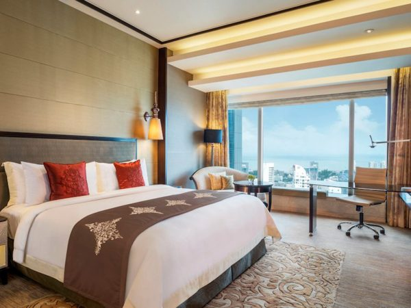 The St. Regis Mumbai Deluxe Guest room, 1 King, City view