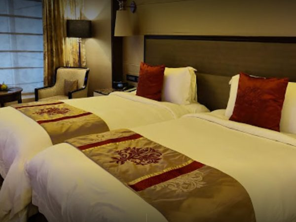 The St. Regis Mumbai Deluxe Guest room, 2 Twin Single Bed(s), City view