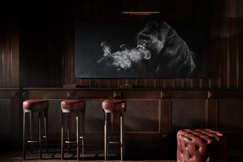 Alpina Gstaad Cigar Lounge