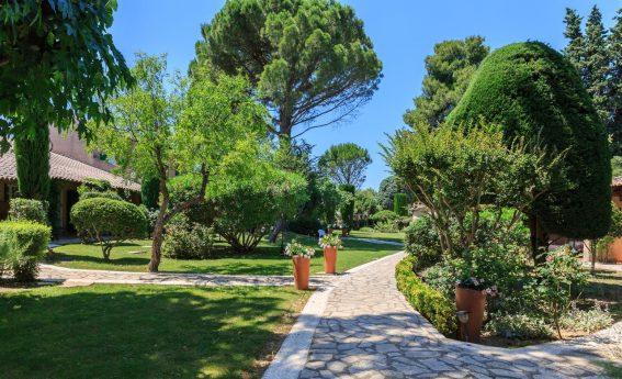 Auberge de Cassagne and Spa Garden