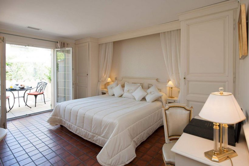 Auberge de Cassagne and Spa Luxury Room