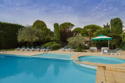 Auberge de Cassagne and Spa Outdoor Pool
