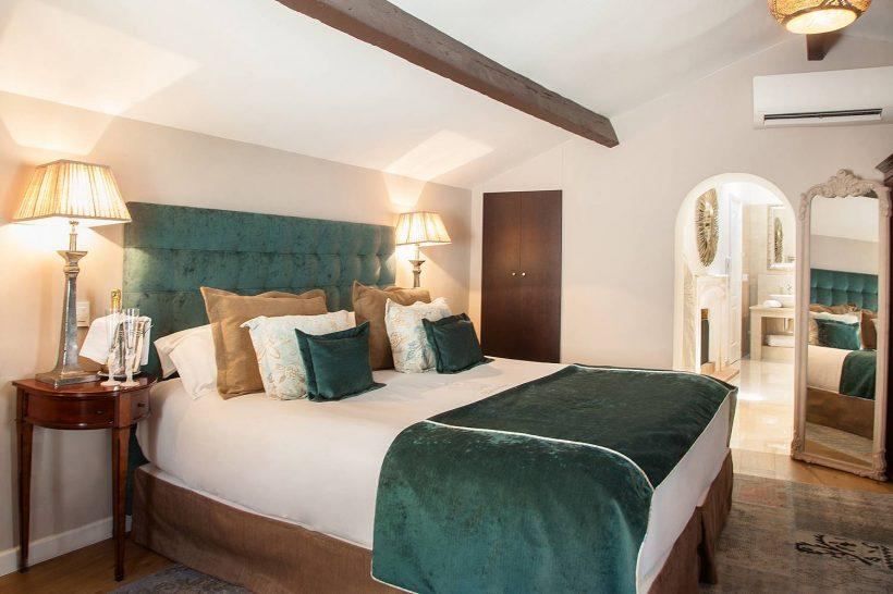 Chateau Eza Elegance Room