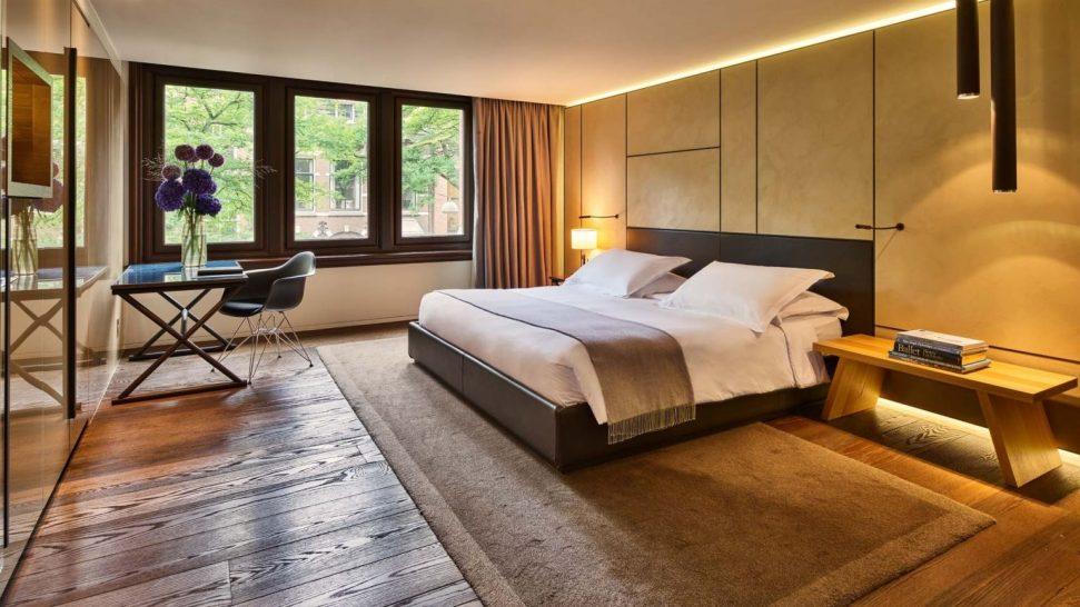 Conservatorium Hotel Deluxe Guestroom