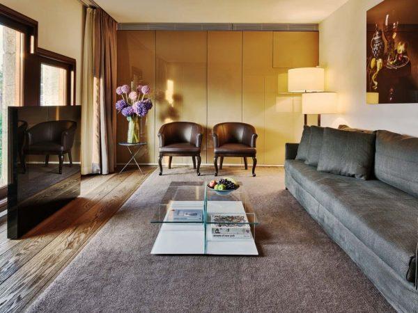 Conservatorium Hotel Suite