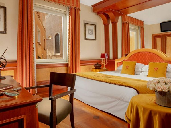 Hotel Raphael Deluxe room with Terrace