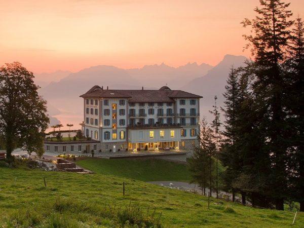 Hotel Villa Honegg Front