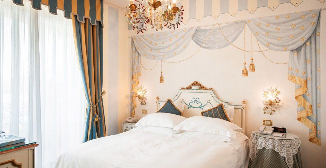 Hotel Villa e Palazzo Aminta Deluxe Room Side Lake View