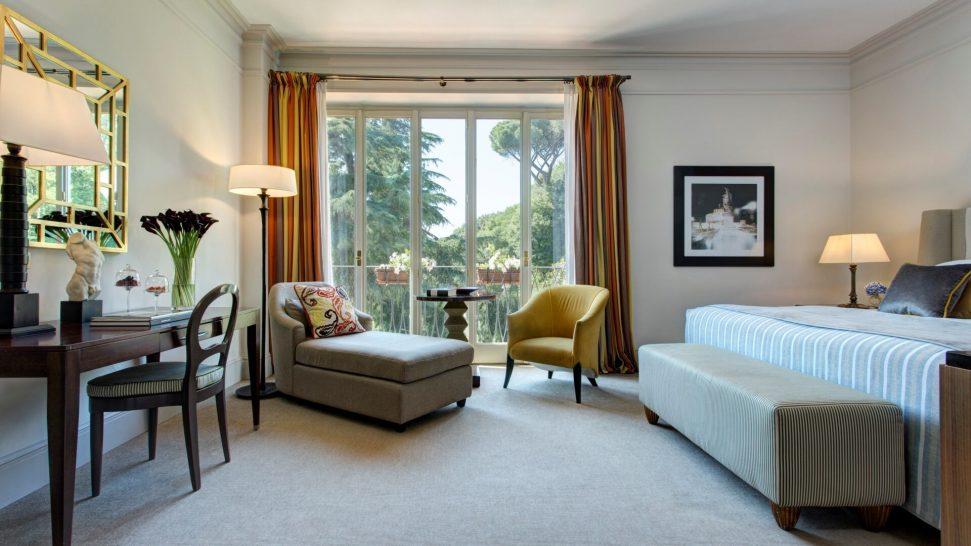 Hotel de Russie Superior Deluxe Room
