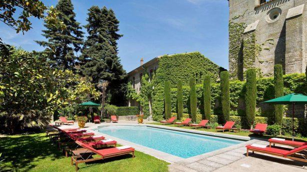 Hotel de la Cite Carcassonne Pool View