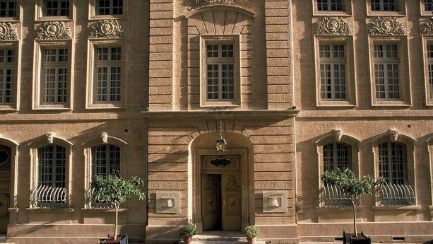 Hotel La Mirande Exterior