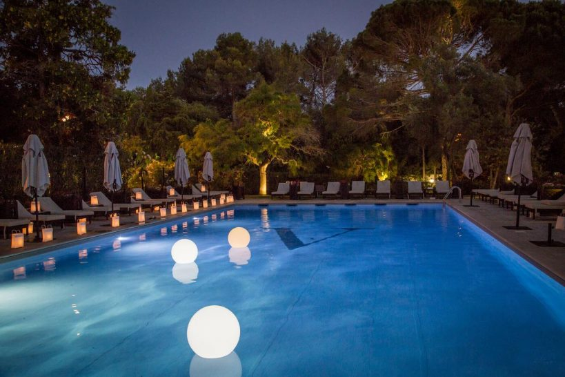Hotel le Vallon de Valrugues Night Pool View