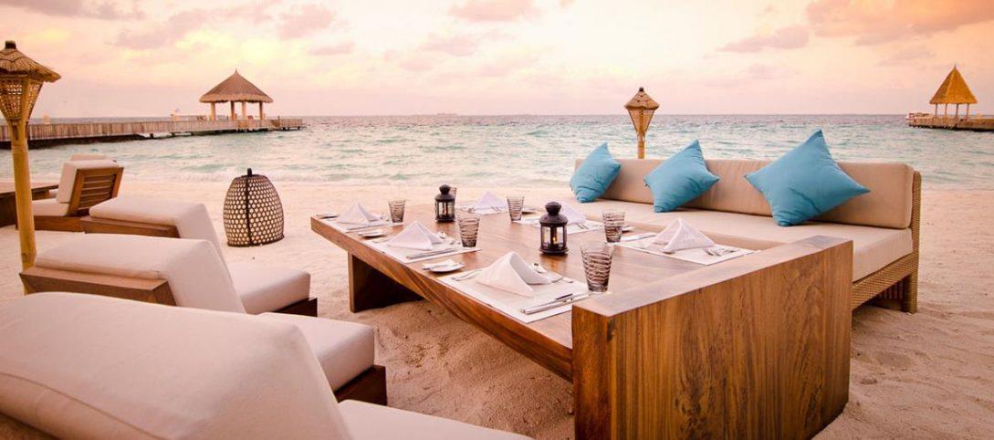 Jumeirah Vittaveli Maldives Bar And Grill