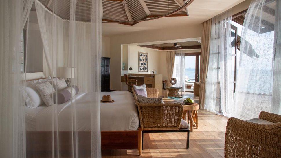 Jumeirah Vittaveli Maldives Infinity Pool Ocean Villa