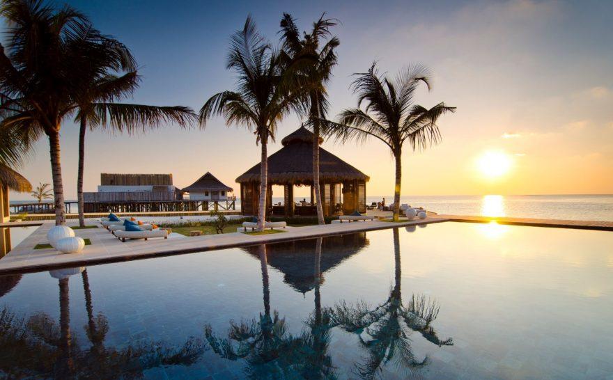 Jumeirah Vittaveli Maldives Pool Sunset