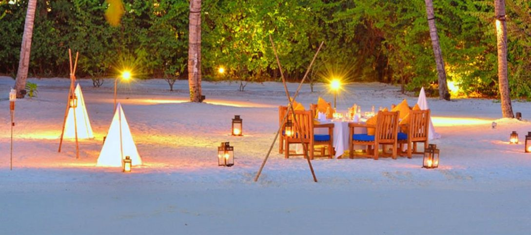 Jumeirah Vittaveli Maldives Private Beach BBQ