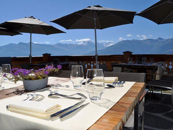 LeCrans Hotel Spa The Mont Blanc
