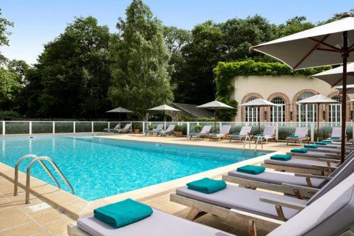 Les Hauts de Loire Pool View